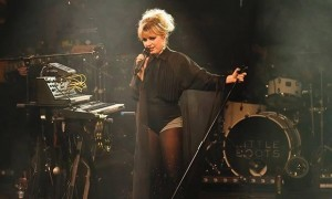 Little-Boots-onstage-at-H-010