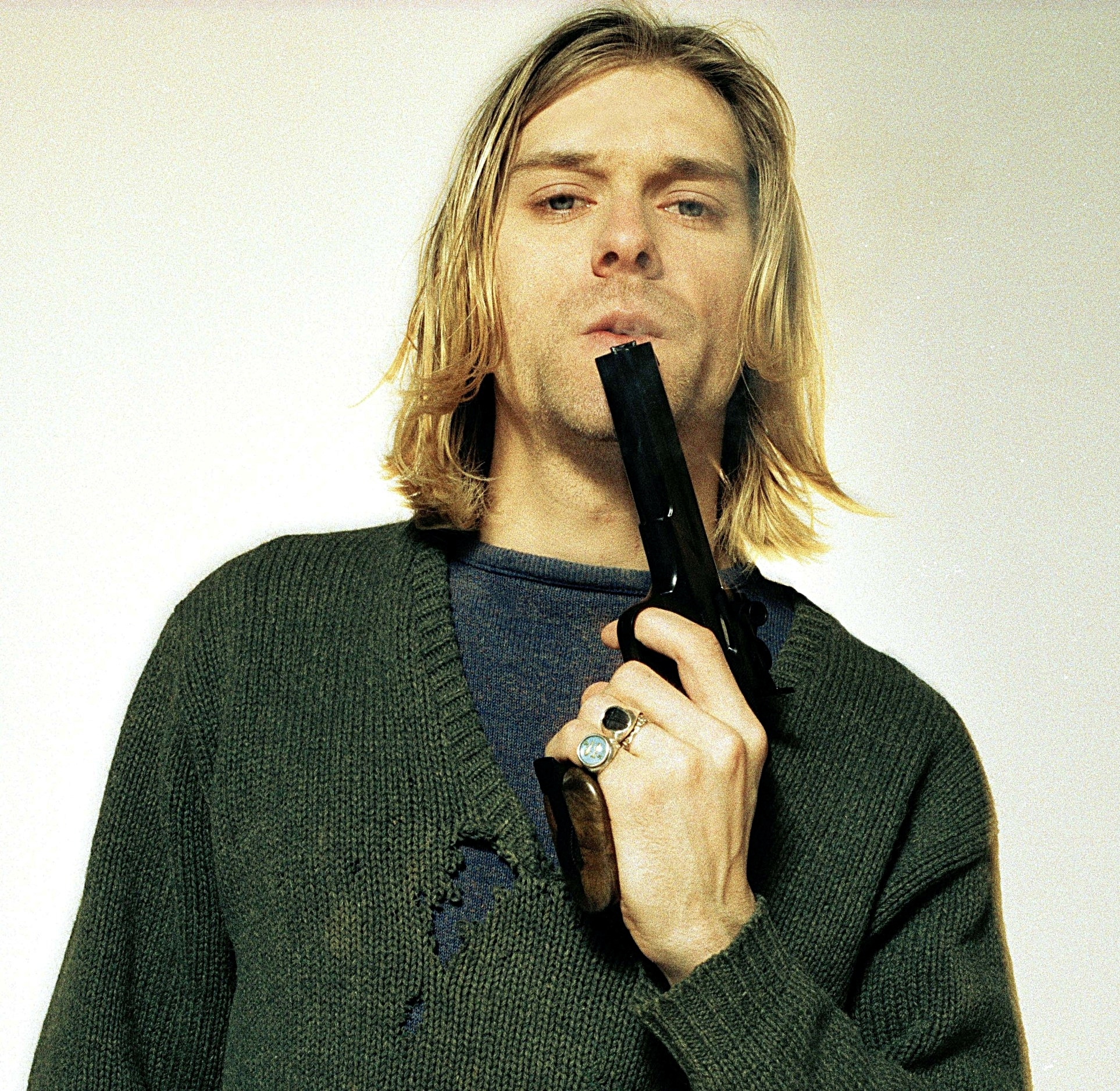 an overview of the events faced by kurt cobain when he was diagnosed with bipolar disorder