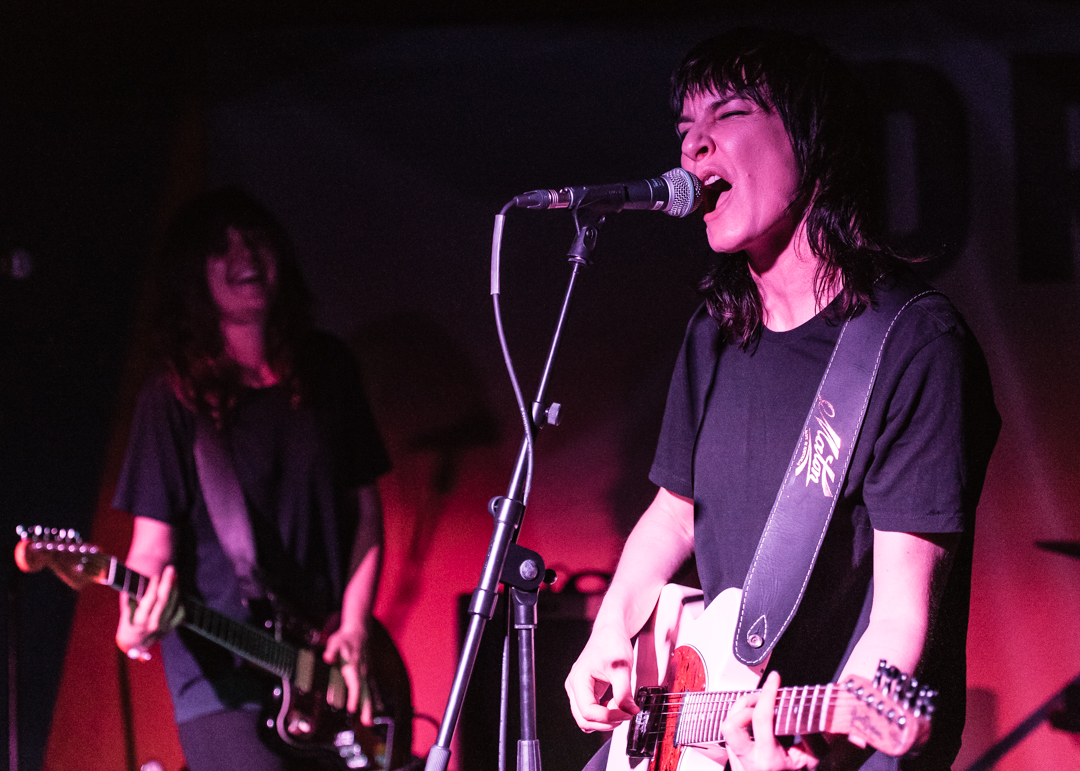 02 Jen Cloher - By the Sea 2017 - Jon Mo