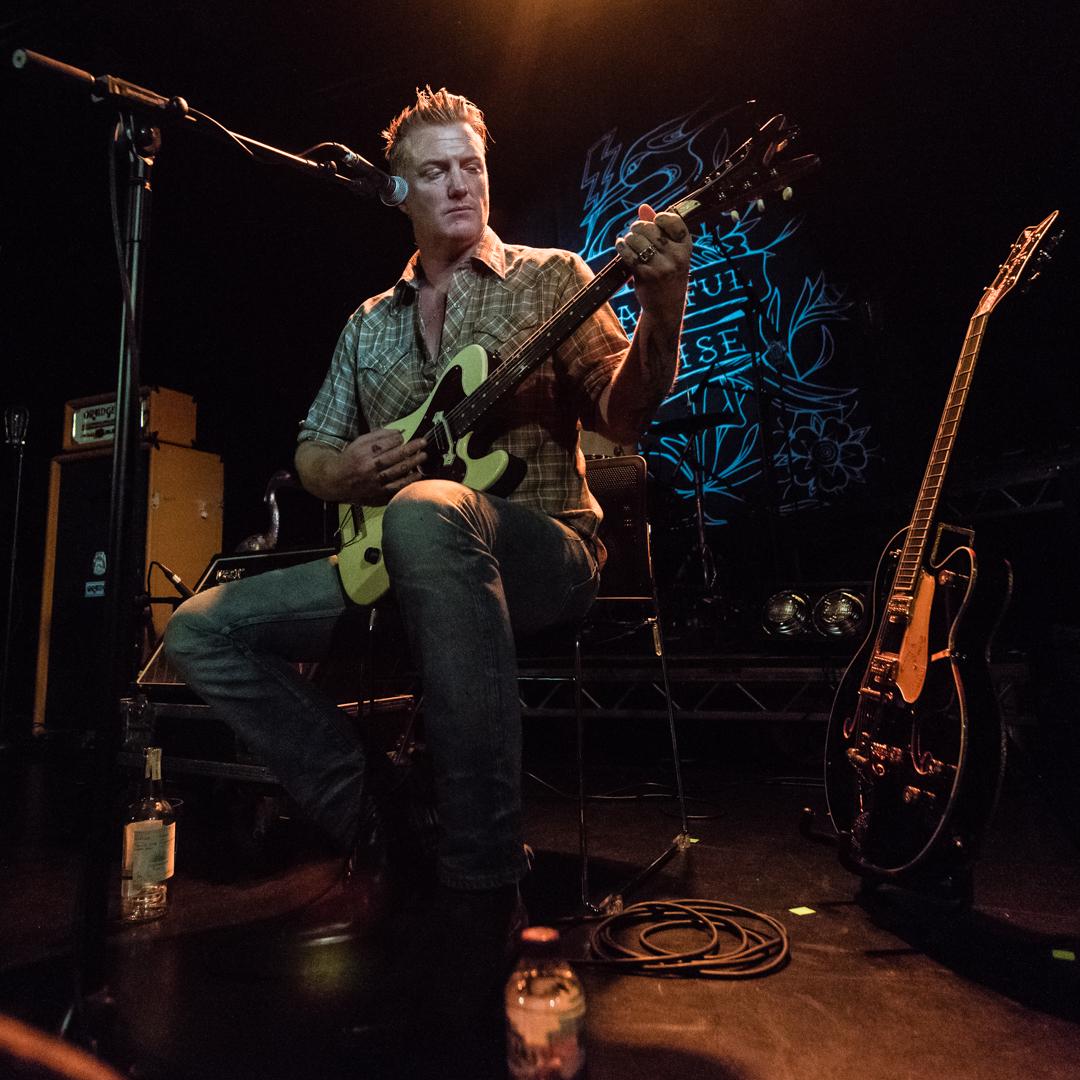 04 Josh Homme - Peaceful Noise - Jon Mo