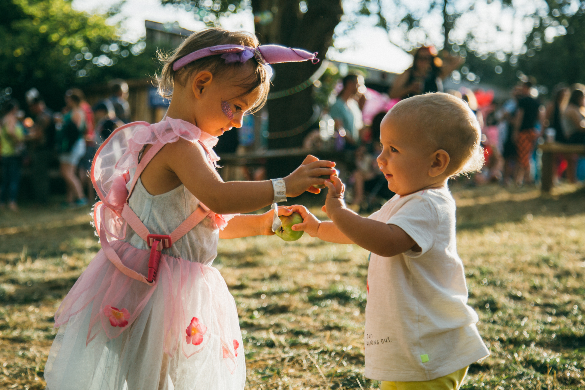 Sibling love at Nozstock 2018 - credit Charlie Rimmer