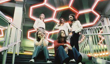 NEWS: Blossoms new album and 200 tour